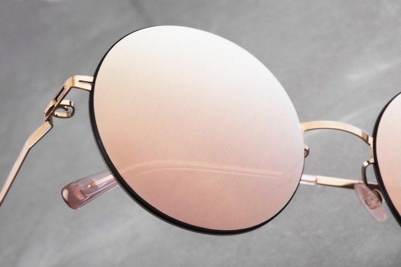 Nature morte lunettes marbre