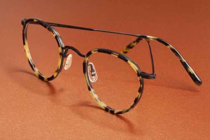 Nature morte lunettes