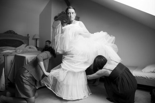Photo preparatifs de la mariée, noir et blanc