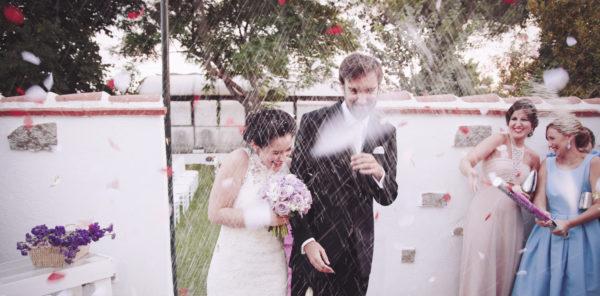 Fin de la céremonie de mariage: riz