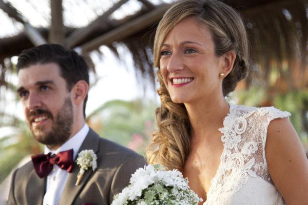 Photo mariage, portrait des mariés pendant la ceremonie