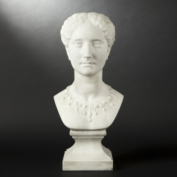 Buste femme en marbre